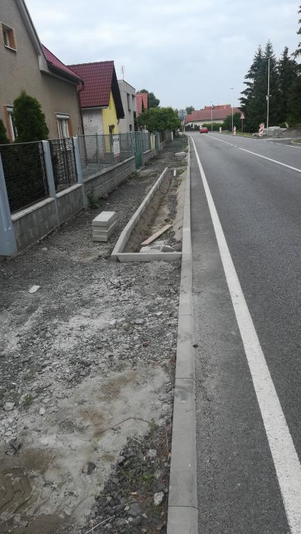 2018-05,06,07,08 Chodníky Budiměřice - západ a střed
