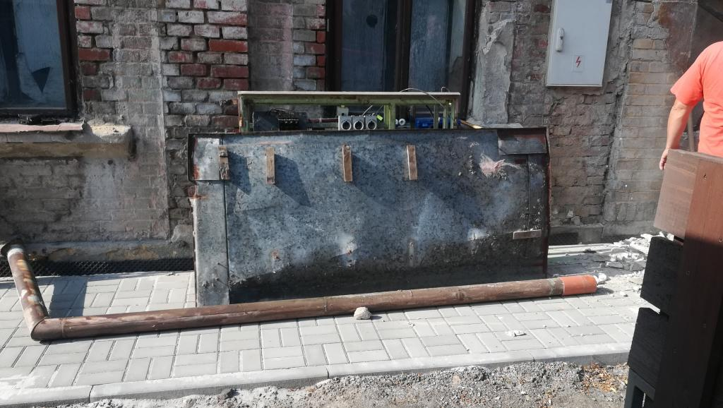 2018-06-07 Oprava zdi po rozvaděči VO