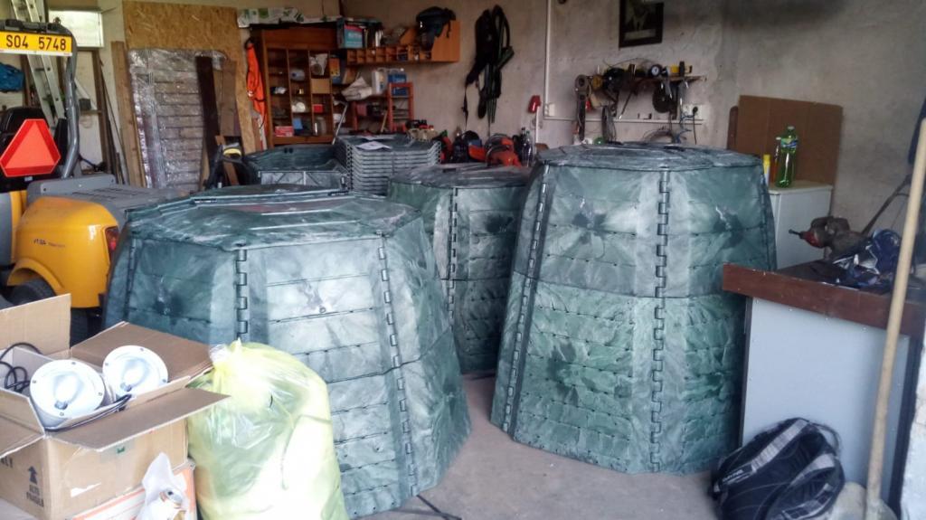 2018-10-15 Kompostéry, štěpkovač a kontejner na textil