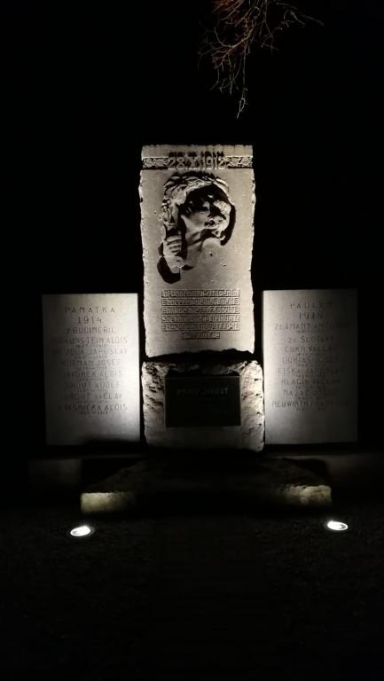 2018-12-14 Nasvícení pomníku padlých