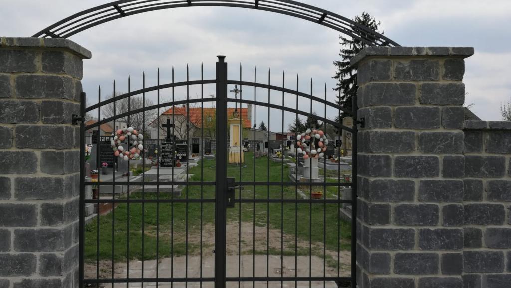 2019-04-13 Hřbitov - nová brána